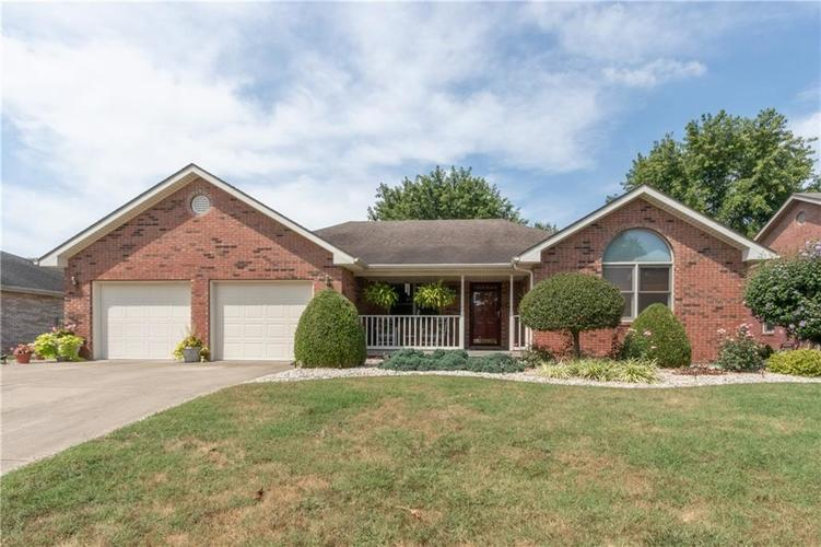 1707  Northbrook Court Seymour, IN 47274 | MLS 21666696