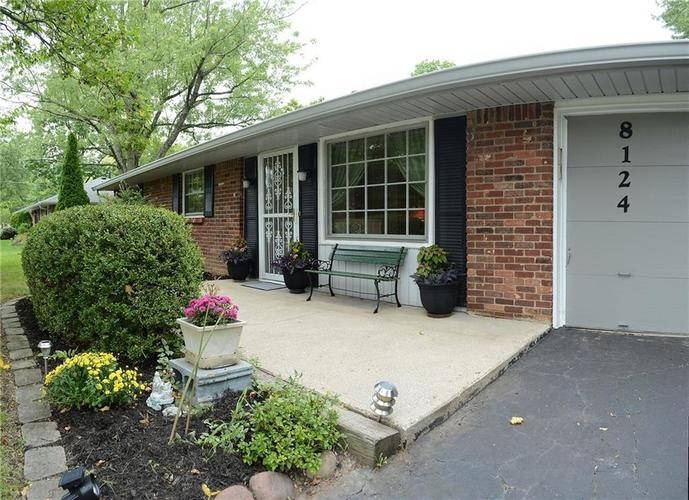 8124 Crest Hill Drive Indianapolis, IN 46256 | MLS 21666807 | photo 2