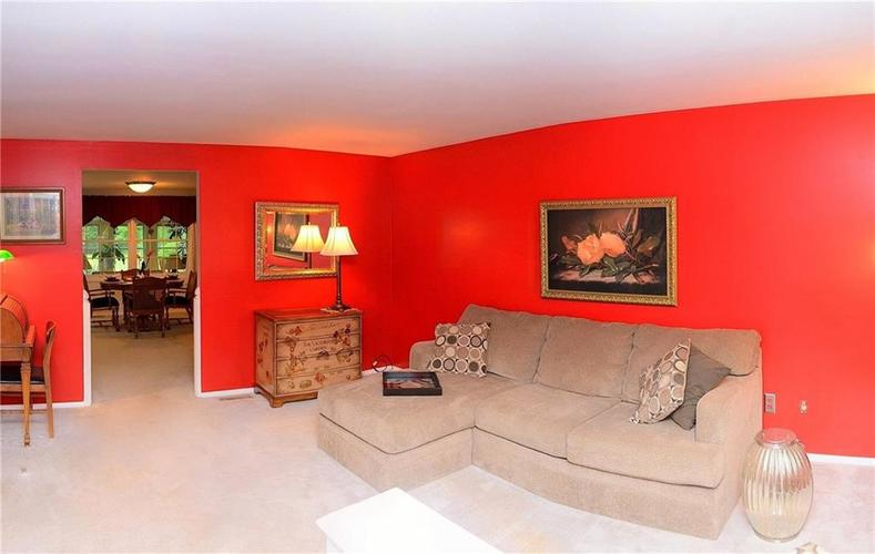 8124 Crest Hill Drive Indianapolis, IN 46256 | MLS 21666807 | photo 6