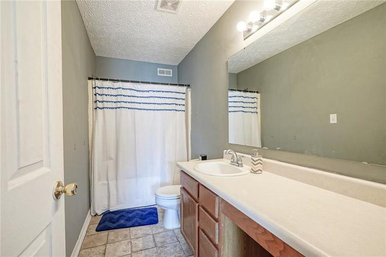 4491 Connaught East Drive Plainfield, IN 46168 | MLS 21666826 | photo 16