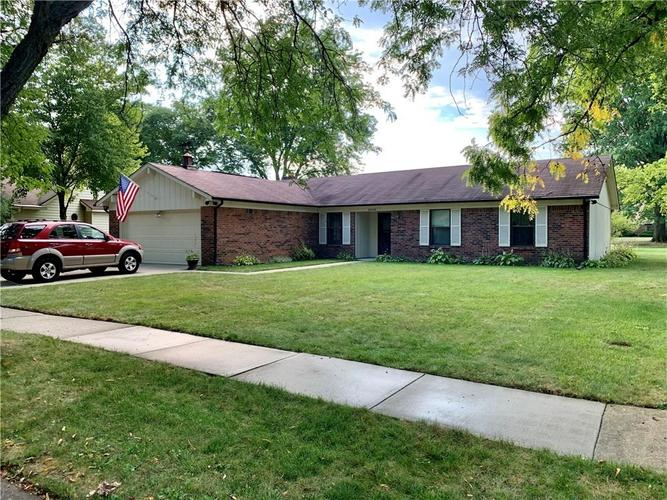 8525 Scarsdale Drive W Indianapolis, IN 46256   MLS 21666833   photo 1