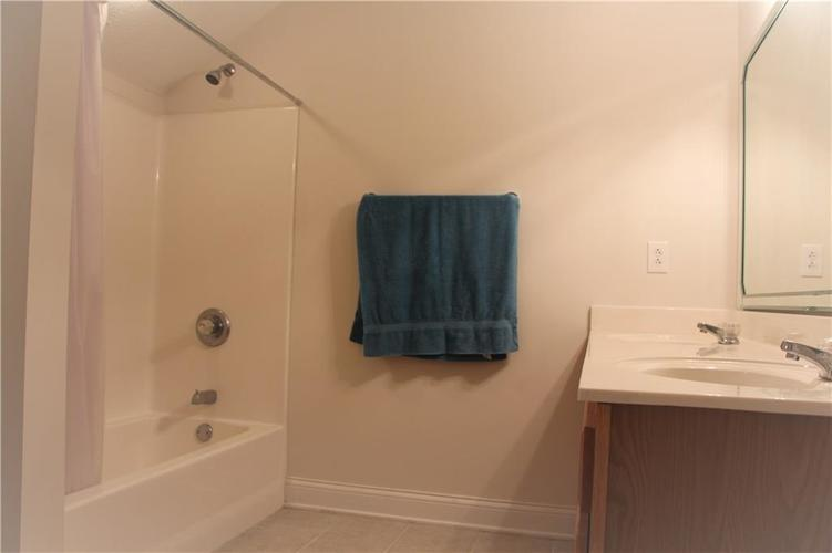 5757 Lawton Loop Drive E #7 Indianapolis, IN 46216 | MLS 21666848 | photo 20