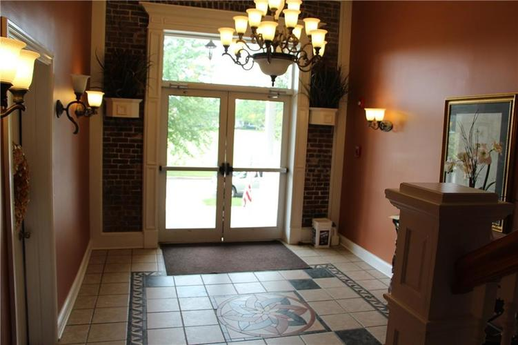 5757 Lawton Loop Drive E #7 Indianapolis, IN 46216 | MLS 21666848 | photo 7