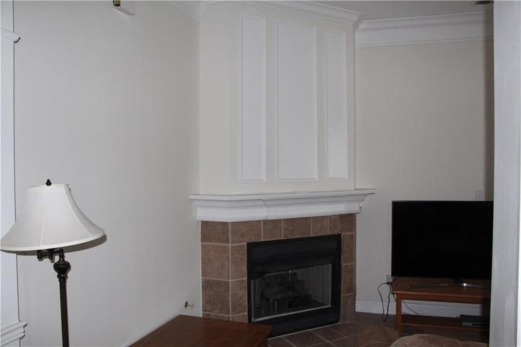 5757 Lawton Loop Drive E #7 Indianapolis, IN 46216 | MLS 21666848 | photo 9