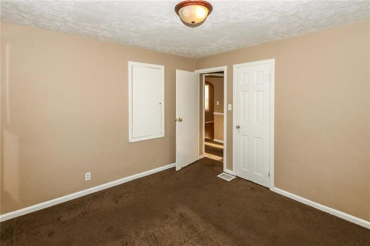 4002 E Pleasant Run Parkway North Drive N Indianapolis, IN 46201   MLS 21666883   photo 15