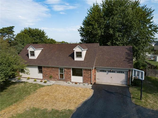 7034 E Southport Road Indianapolis, IN 46259 | MLS 21666886 | photo 1