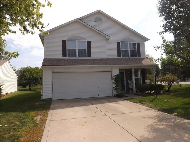 1551 BLUE GRASS Parkway Greenwood, IN 46143 | MLS 21666975 | photo 1