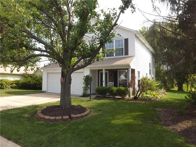 1551 BLUE GRASS Parkway Greenwood, IN 46143 | MLS 21666975 | photo 2