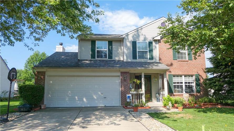 722 Lake Crossing Court Franklin, IN 46131 | MLS 21666988 | photo 1