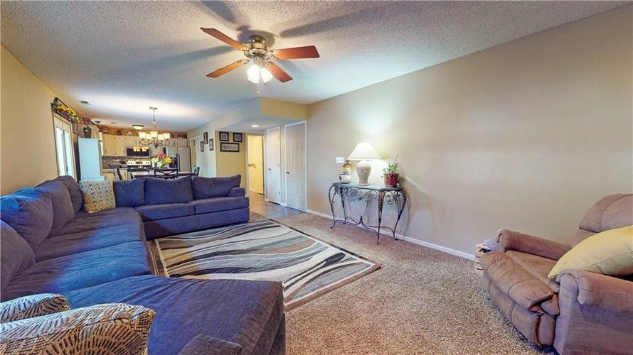 722 Lake Crossing Court Franklin, IN 46131 | MLS 21666988 | photo 13