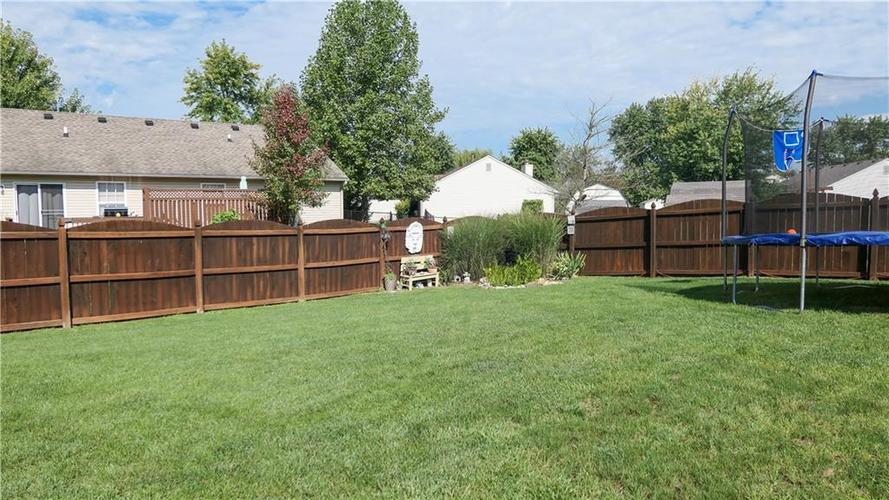 722 Lake Crossing Court Franklin, IN 46131 | MLS 21666988 | photo 3