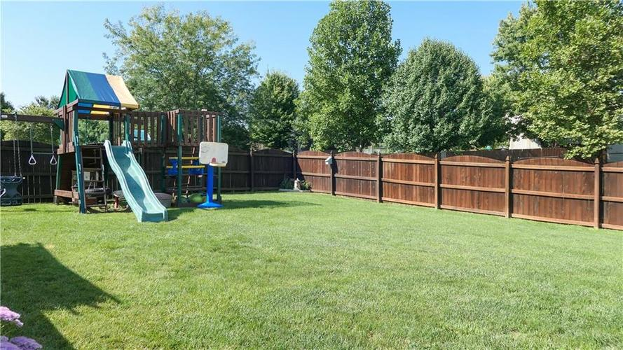 722 Lake Crossing Court Franklin, IN 46131 | MLS 21666988 | photo 34
