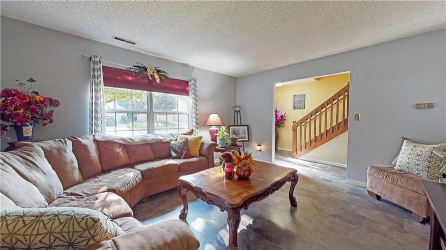 722 Lake Crossing Court Franklin, IN 46131 | MLS 21666988 | photo 6