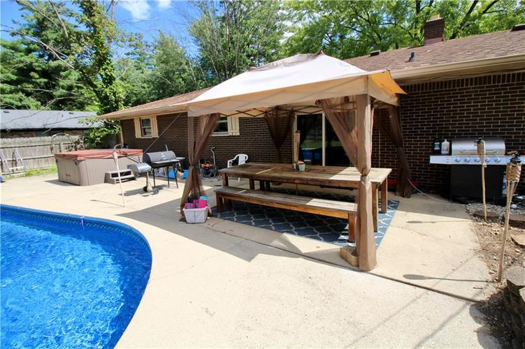 1340 N ROUTIERS Avenue Indianapolis, IN 46219 | MLS 21667058 | photo 13