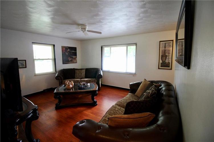 1340 N ROUTIERS Avenue Indianapolis, IN 46219 | MLS 21667058 | photo 2