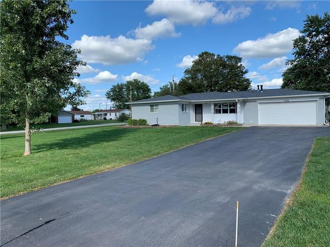 7335 Brushwood Road Camby, IN 46113 | MLS 21667065 | photo 1