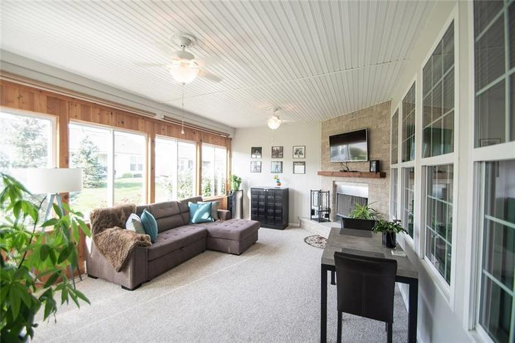16199 Brookmere Avenue Fishers, IN 46037   MLS 21667110   photo 2