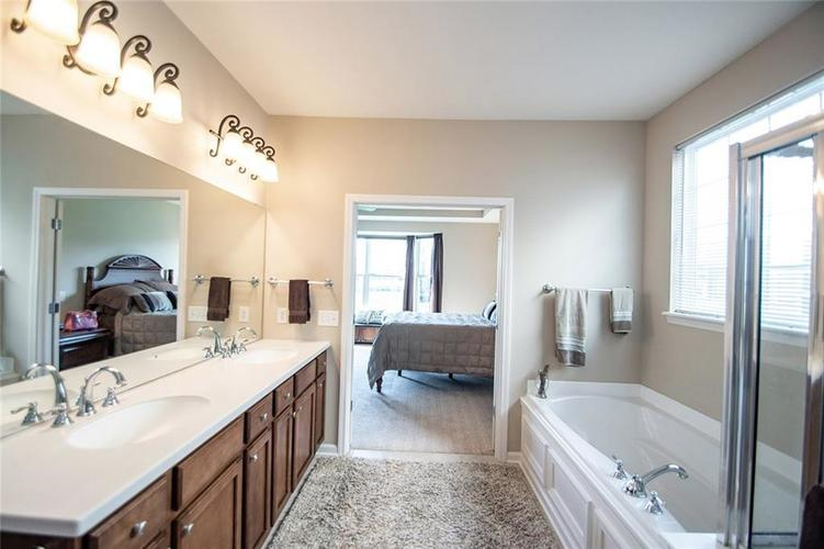 16199 Brookmere Avenue Fishers, IN 46037   MLS 21667110   photo 24