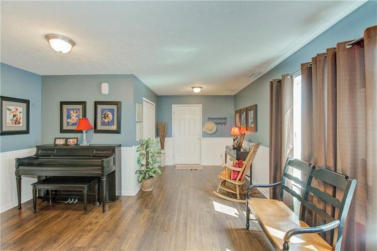 7744 Bolero Drive Camby, IN 46113 | MLS 21667188 | photo 2