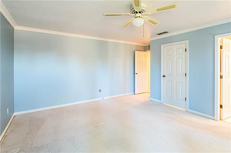5427 GREENWILLOW Road #217 Indianapolis, IN 46226 | MLS 21667215 | photo 23