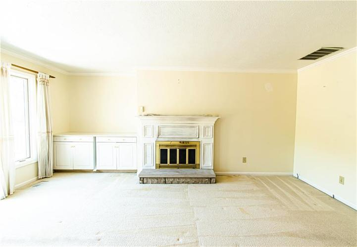5427 GREENWILLOW Road #217 Indianapolis, IN 46226 | MLS 21667215 | photo 4