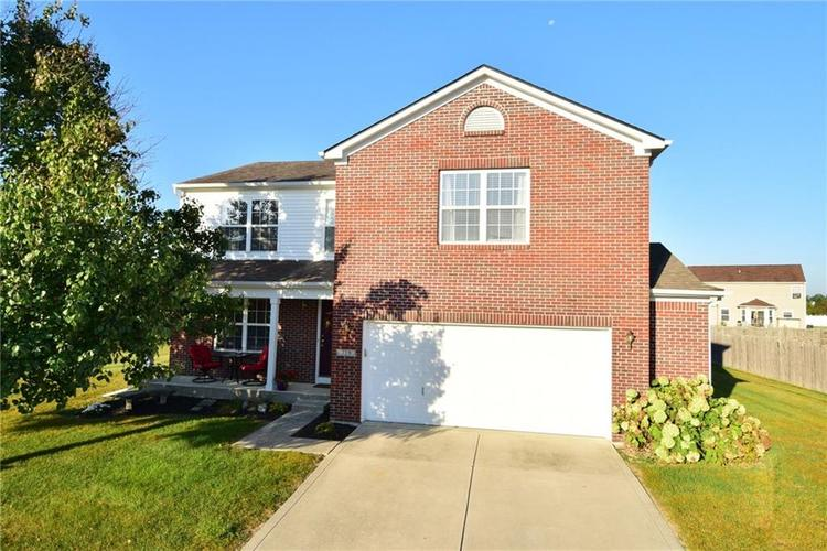 729 Stonehenge Way Brownsburg, IN 46112 | MLS 21667268 | photo 1
