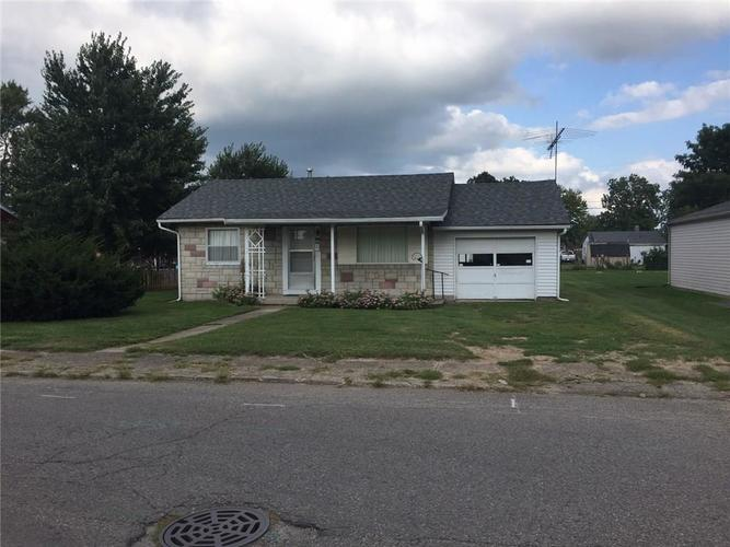 689 S Lincoln Street Martinsville IN 46151   MLS 21667288   photo 1