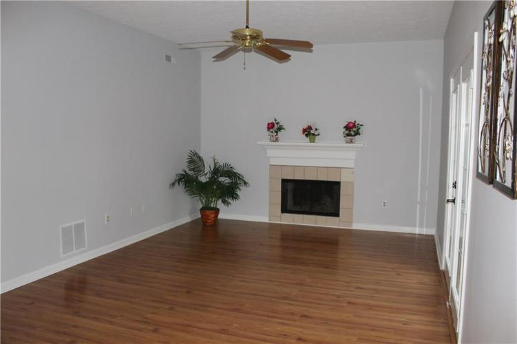 8609 Kruggle Court Indianapolis, IN 46256 | MLS 21667356 | photo 5