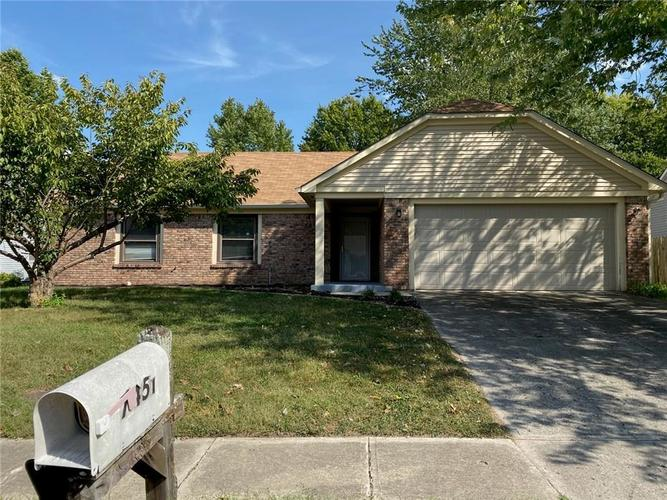 7451 SOUTHERN LAKES Drive Indianapolis IN 46237 | MLS 21667363 | photo 1