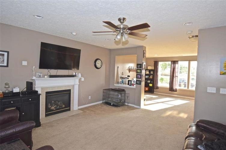 2420 Cole Wood Court Indianapolis, IN 46239 | MLS 21667396 | photo 2