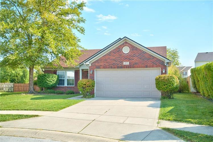 2271 Hampton Court Plainfield, IN 46168 | MLS 21667399 | photo 1