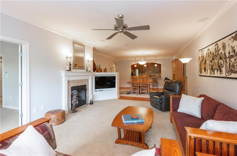 8555 One West Drive #204 Indianapolis, IN 46260   MLS 21667400   photo 5