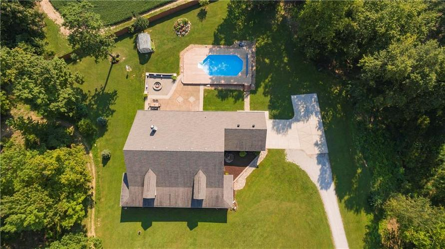 1781 N Cole Drive Martinsville, IN 46151   MLS 21667416   photo 2