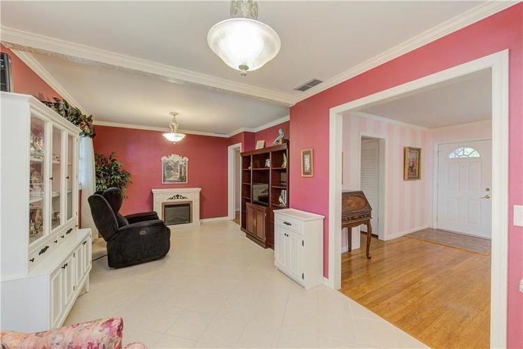 4050 WESTOVER Drive Indianapolis, IN 46268 | MLS 21667428 | photo 10