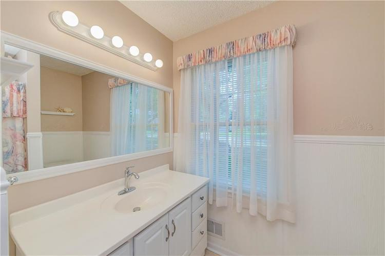 4050 WESTOVER Drive Indianapolis, IN 46268 | MLS 21667428 | photo 20