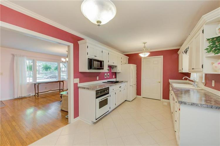 4050 WESTOVER Drive Indianapolis, IN 46268 | MLS 21667428 | photo 6
