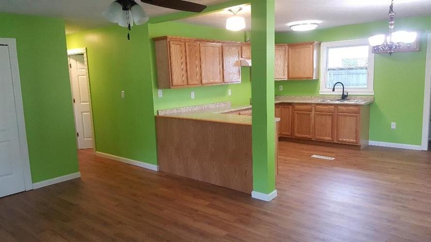 3144 MIDVALE Drive Indianapolis, IN 46222 | MLS 21667498 | photo 2