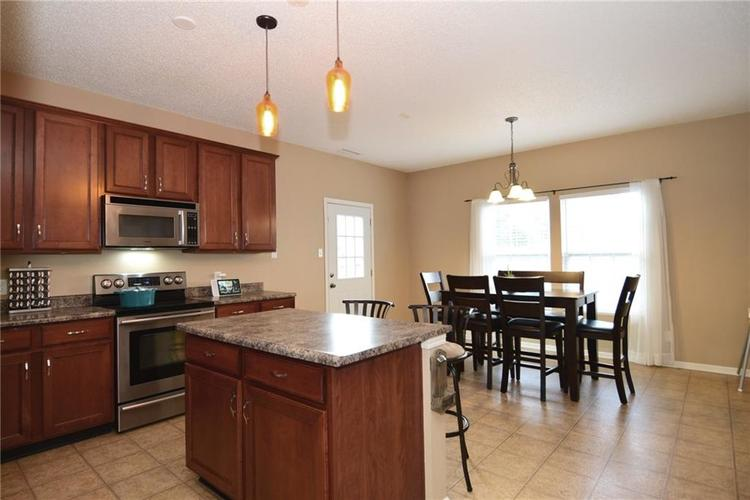 15253 Radiance Drive Noblesville, IN 46060   MLS 21667596   photo 2