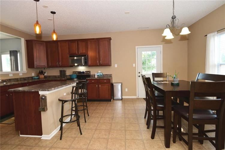 15253 Radiance Drive Noblesville, IN 46060   MLS 21667596   photo 3