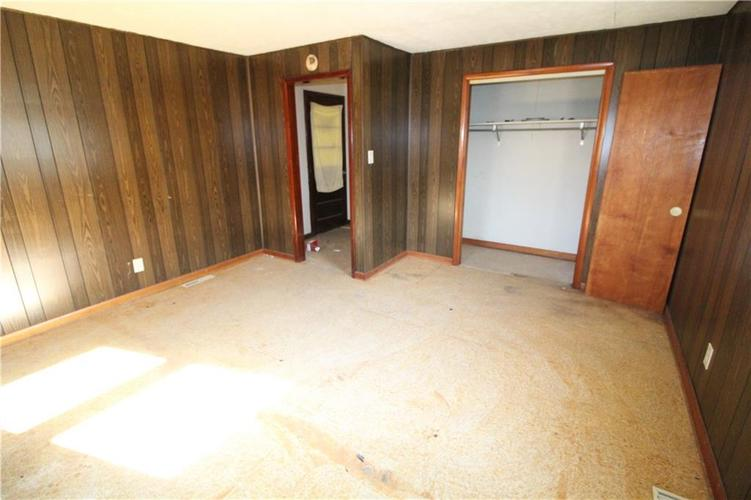 1020 W 4th Street Anderson, IN 46016 | MLS 21667615 | photo 27