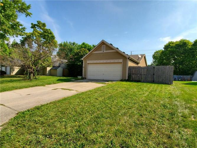 9277 Embers Way Indianapolis, IN 46250 | MLS 21667788 | photo 1