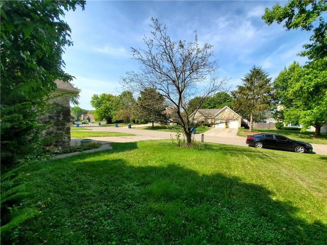 9277 Embers Way Indianapolis, IN 46250 | MLS 21667788 | photo 2