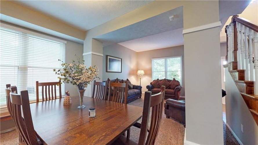6923 Bluffgrove Circle Indianapolis, IN 46278 | MLS 21667815 | photo 11