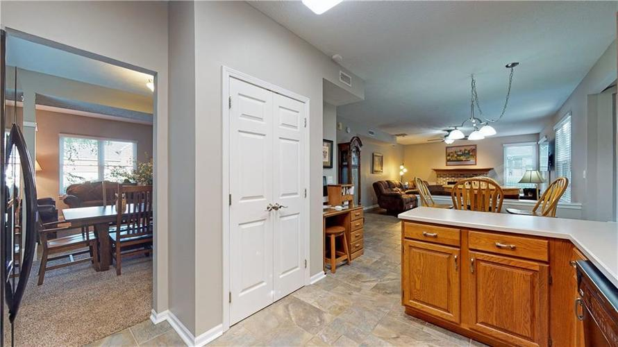 6923 Bluffgrove Circle Indianapolis, IN 46278 | MLS 21667815 | photo 15