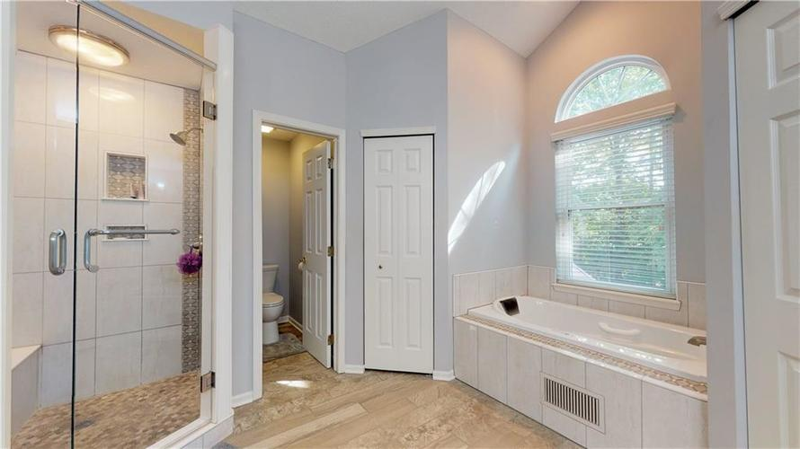 6923 Bluffgrove Circle Indianapolis, IN 46278 | MLS 21667815 | photo 22