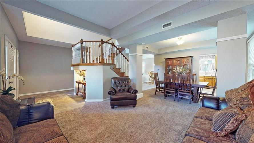 6923 Bluffgrove Circle Indianapolis, IN 46278 | MLS 21667815 | photo 5