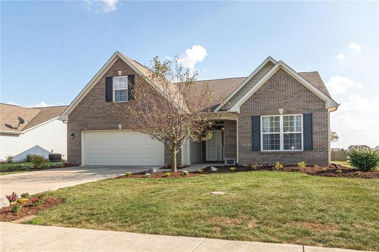 8429 Ballyshannon Drive Brownsburg, IN 46112 | MLS 21667943 | photo 1