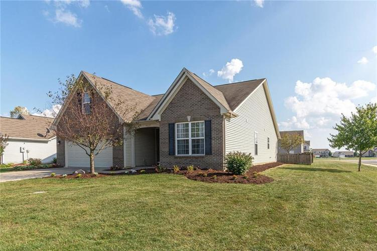 8429 Ballyshannon Drive Brownsburg, IN 46112 | MLS 21667943 | photo 2