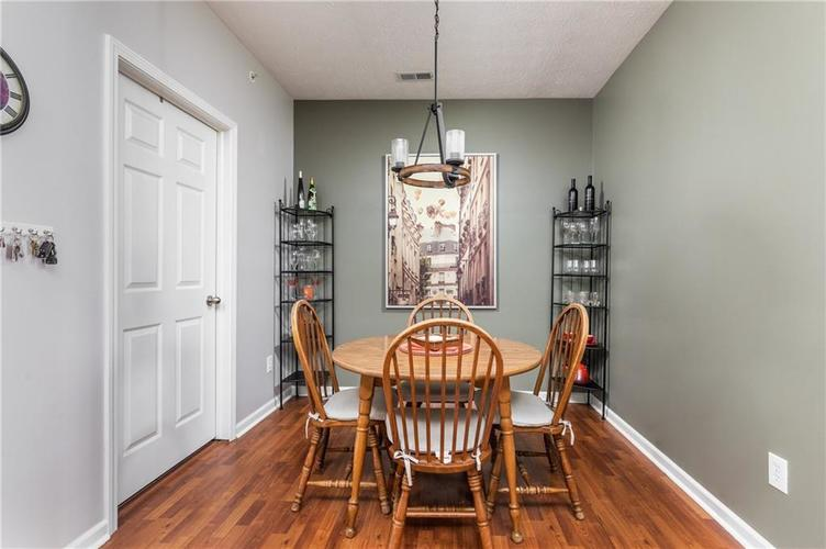 1017 Reserve Way Indianapolis, IN 46220 | MLS 21667953 | photo 7