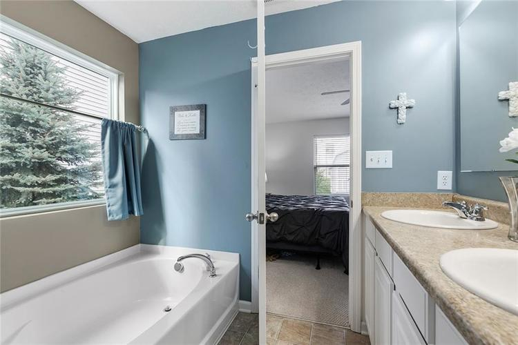 12238 Rally Court Noblesville, IN 46060 | MLS 21667979 | photo 16